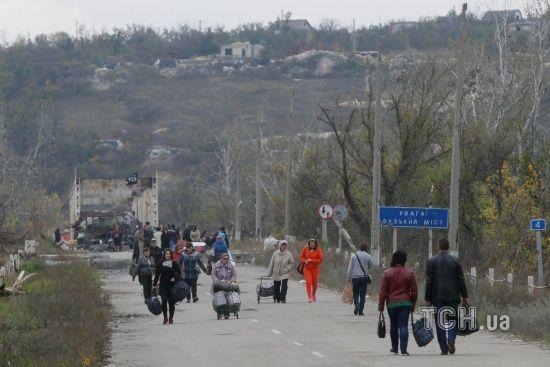 Бойовики на мосту у Станиці Луганській захопили в заручники жінку з інвалідністю - ЗМІ