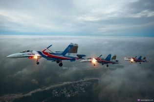 """Десять российских истребителей """"разбомбили"""" наземные цели в оккупированном Крыму"""