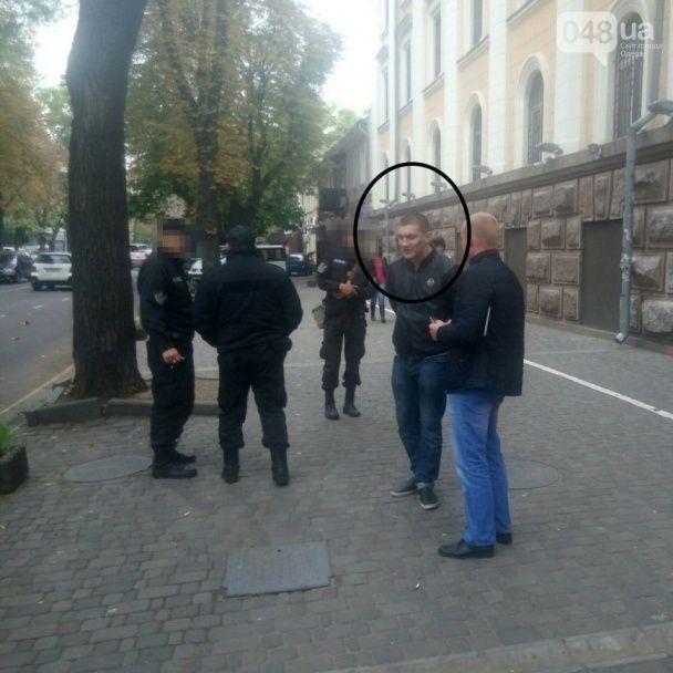 В Одесі молодик обстріляв маршрутку з пасажирами