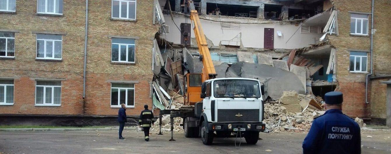 Причиною обвалу школи у Василькові міг стати старий фундамент та каналізація – віце-прем'єр