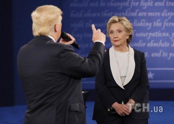 Между Трампом и Клинтон завершились вторые дебаты. О чем говорили яростные оппоненты