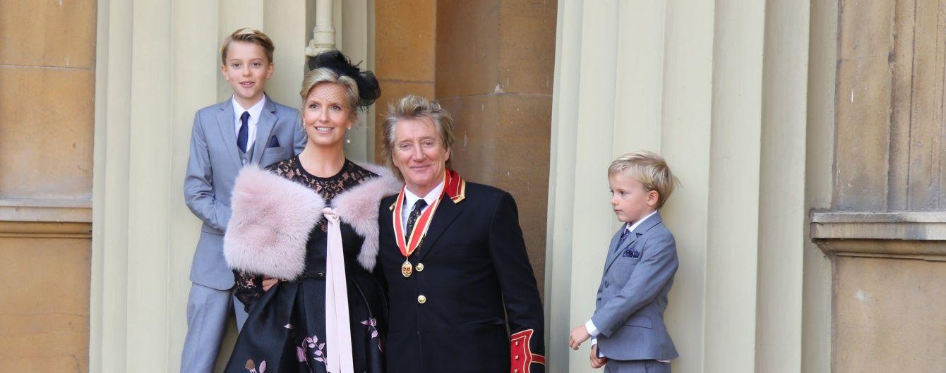 Принц Вільям посвятив у лицарі популярного співака
