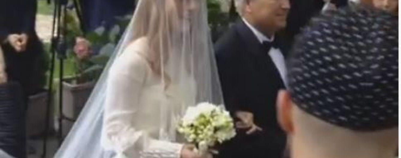 Тарабарова с любимым трогательно обменялись свадебными обетами