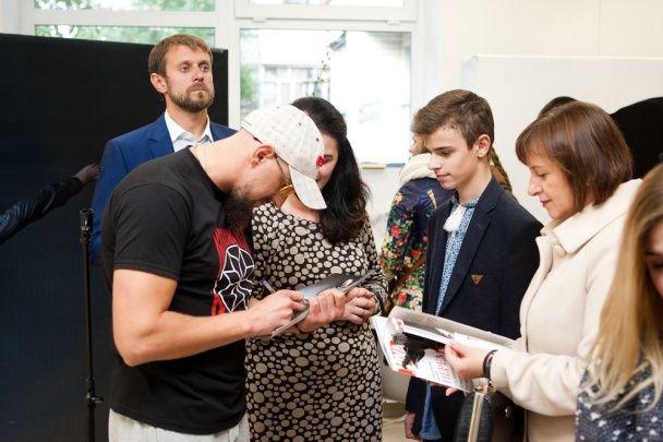 """Витвицкая вместе с героями проекта и Бурмакой представили проект """"Переможці"""" в Хмельницком"""