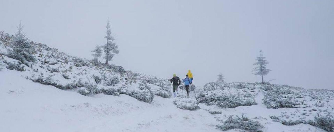 """Зима близько: """"Буковель"""" замітає снігом"""