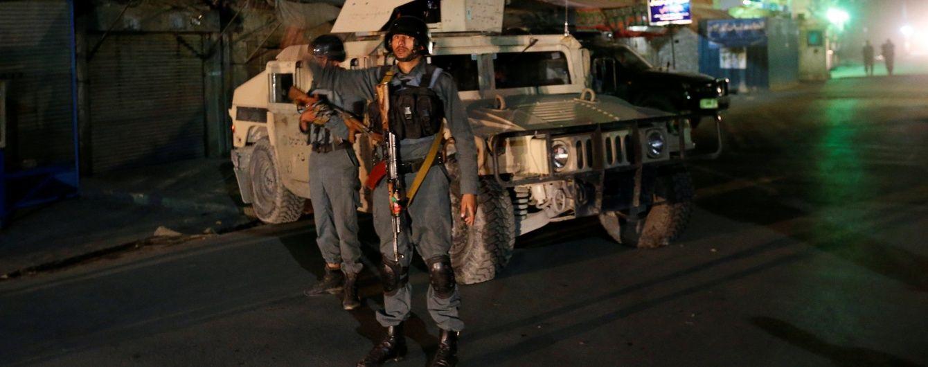 В Афганистане террористы атаковали шиитскую святыню: более 10 погибших