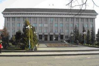 На Закарпатті чиновники заплатили 600 тис грн за ремонт у школах, якого не було