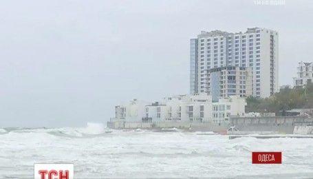 Потужний циклон насувається на Україну: Одесу затопить, а в Карпатах чекають снігу