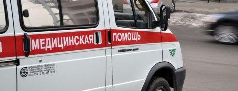 """""""Не витримали нерви"""". У Москві шестеро підозрюваних у хуліганстві чеченців порізали вени у суді"""