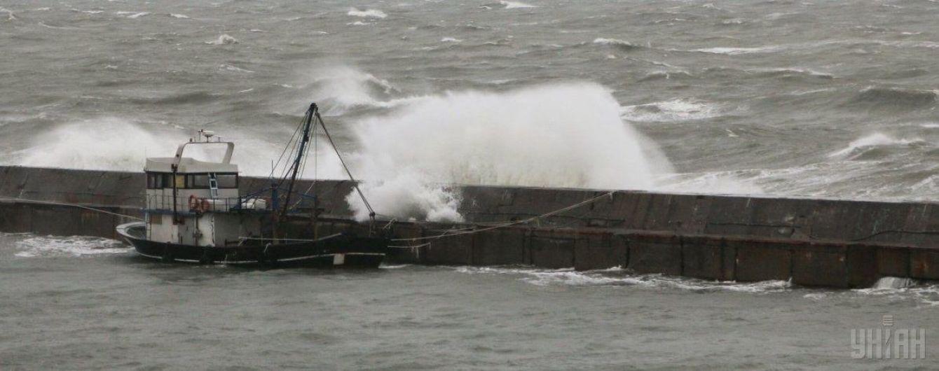 Российская ФСБ обстреляла рыболовецкое судно КНДР: один человек погиб