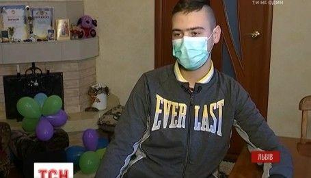 Стан Максима Стахіва, на лікування якого збирала вся країна, змогли стабілізувати індійські лікарі