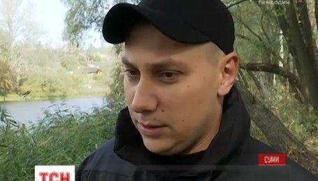 Мокрые грабители: в Сумах патрульные вытащили из реки двух беглых преступников