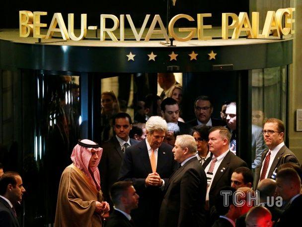 Переговоры о прекращении войны в Сирии Керри назвал напряженными, а Лавров проигнорировал прессу