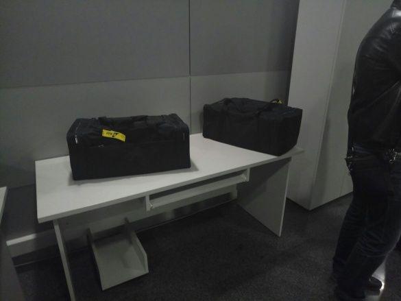 Соколи у багажу_1
