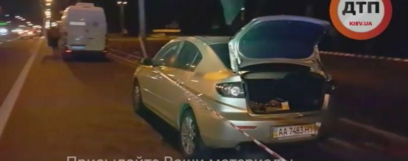 В Киеве перекрывали движение на центральном проспекте из-за заминированного авто