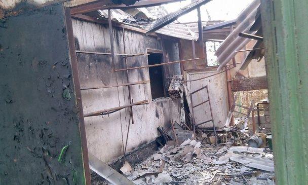 Боевики в Водяном уничтожили улицу и ранили пожилую женщину