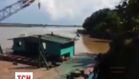 В Мьянме продолжаются поиски пассажиров затонувшего парома