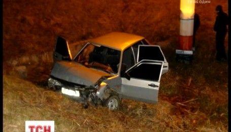Двоє неповнолітніх загинули у нічній ДТП в Житомирській області
