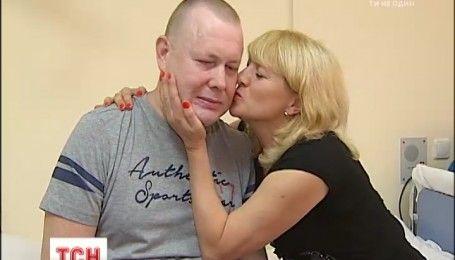 Искалеченный боевиками волонтер Владимир Жемчугов будет лечиться в Германии