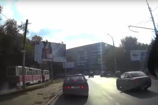 У Росії трамвай за ногу протягнув пасажира до наступної зупинки