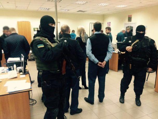 """Сумские таможенники """"крышевали"""" нелегальный импорт на миллионы гривен"""