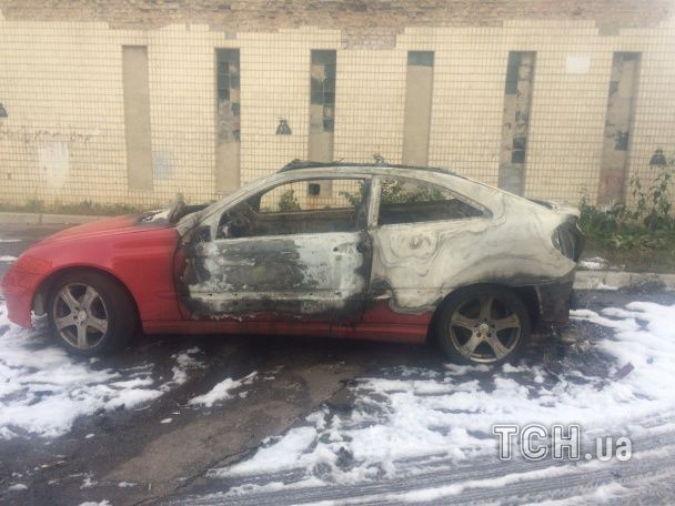 Появились новые подробности поджога Mercedes жены мэра Глухова