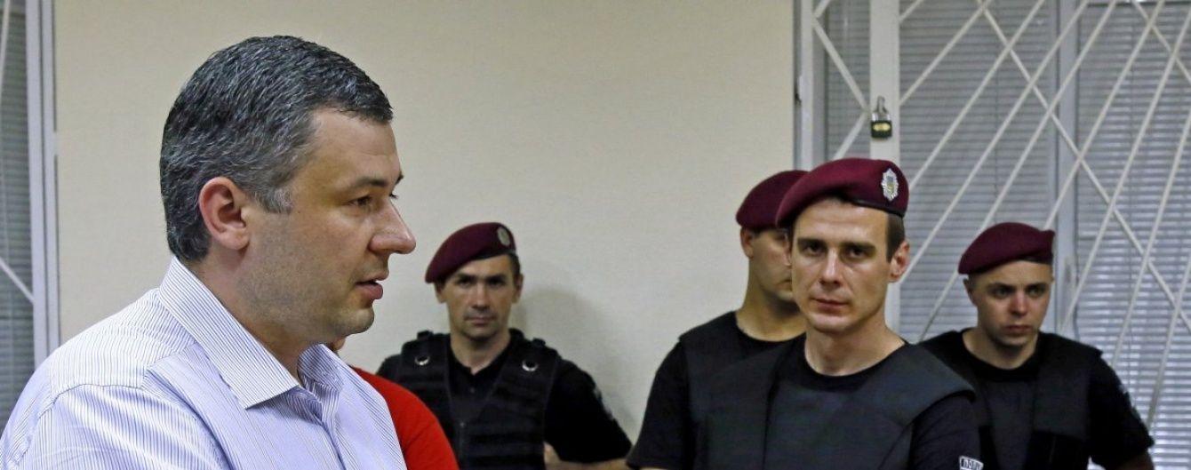 Народный депутат Павел Костенко скрывается от суда
