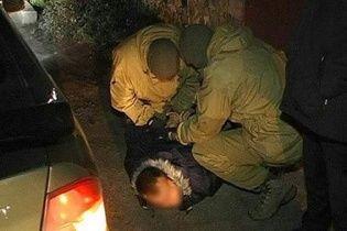 """На Полтавщині затримали злочинну групу автокрадіїв із """"перевертнями в погонах"""""""