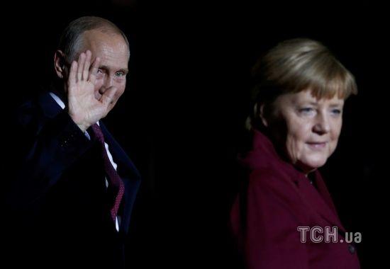 Меркель обговорила з Путіним введення миротворців ООН на Донбасі