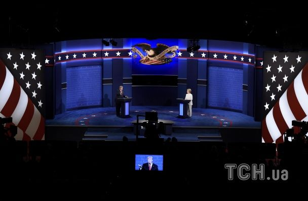 Елегантна Клінтон та емоційний Трамп. Кандидати в президенти США зійшлися в гарячих дебатах