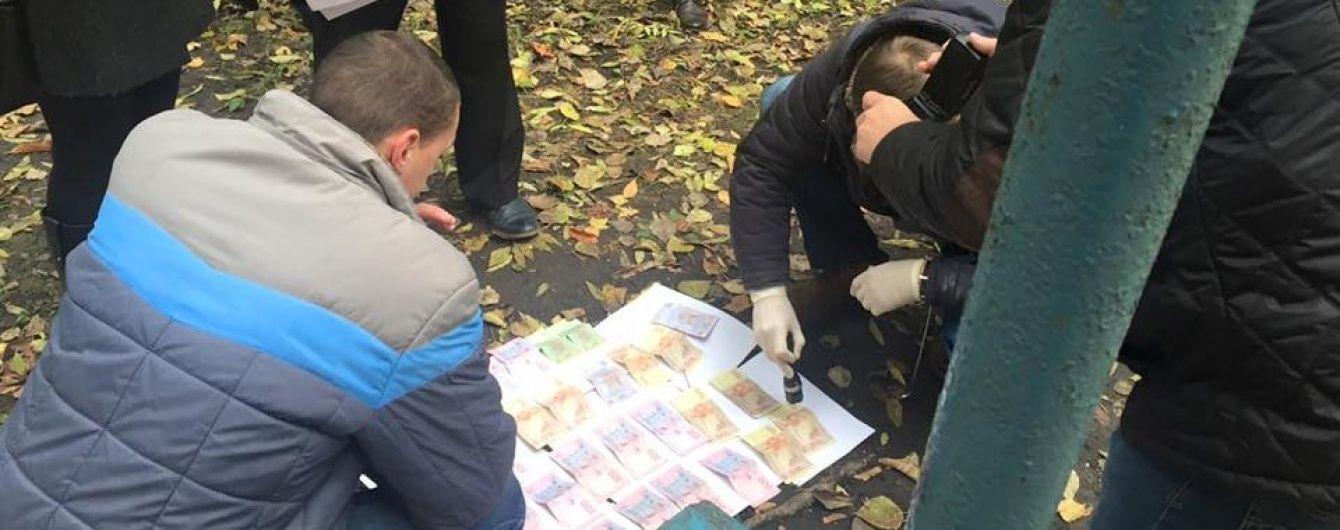 В Івано-Франківську затримали чотирьох поліцейських за хабар в 1,5 тис. дол.