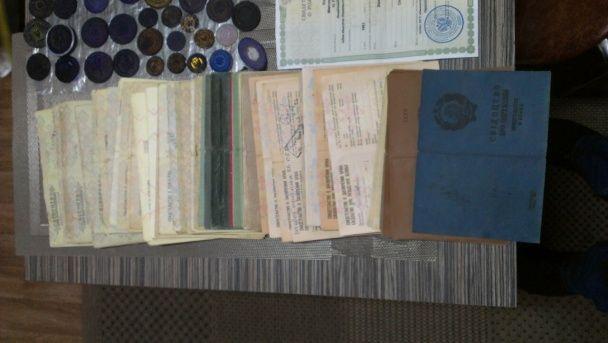 """СБУ викрила угруповання, що підробляло офіційні документи для бойовиків """"ДНР"""