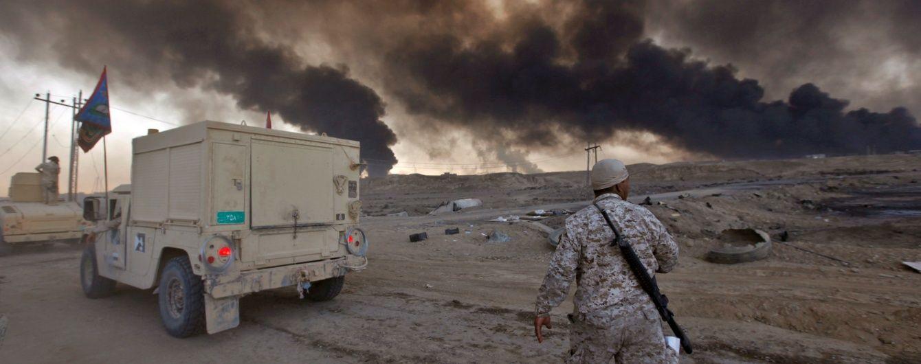 """У Мережі показали, як проамериканська коаліція знищила техніку бойовиків """"ІД"""" в Іраку"""