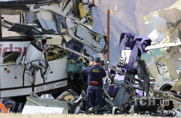У США автобус врізався у вантажівку: 13 загиблих, більше 30 постраждалих