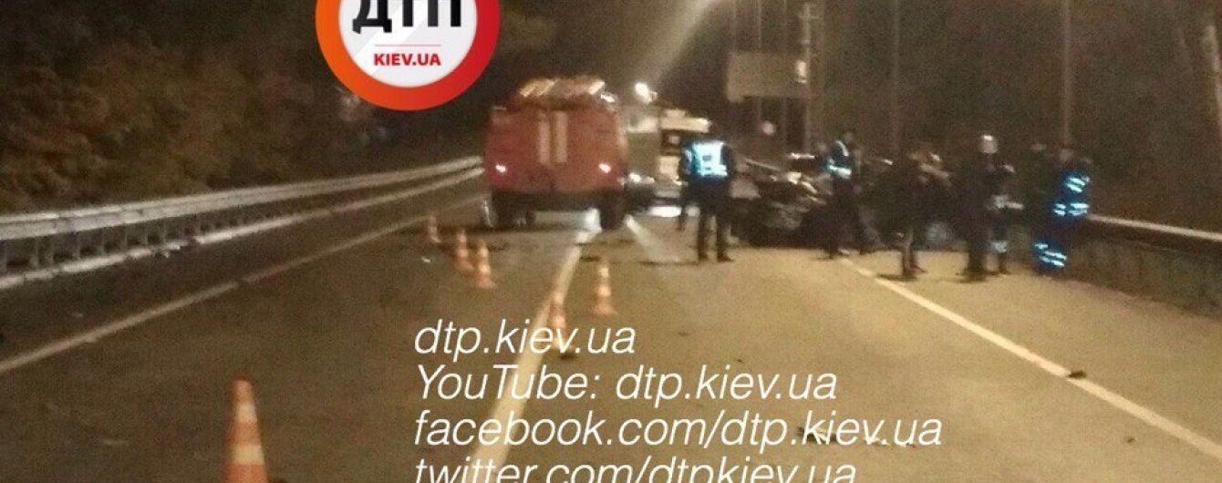 Винуватець кривавої ДТП під Києвом підробляв таксуванням