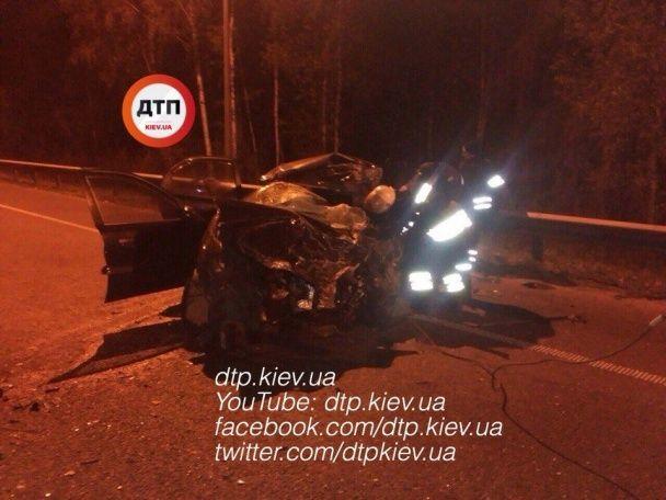 П'яна ДТП на Київщині: водій легковика не впорався з керуванням та влетів у зустрічний бус