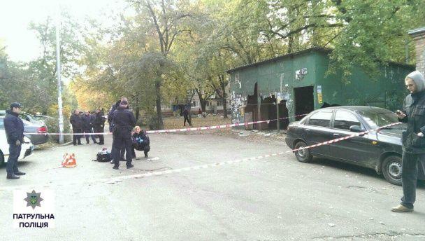 У Києві чоловік намагався вистрілити у поліцейського