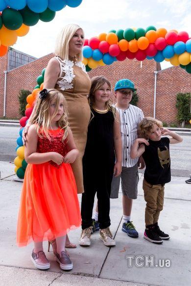 Торі Спеллінг з дітьми_3