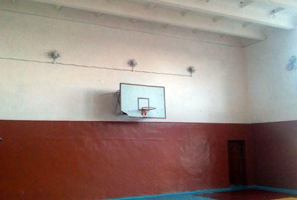 У Мар'їнці бойовики вже вдруге обстріляли школу