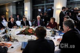 """""""Ты просто перестань стрелять!"""": Порошенко накричал на Путина во время встречи в Берлине - СМИ"""
