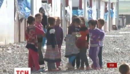 Терористи ІДІЛ тримають у заручниках близько десяти тисяч іракців