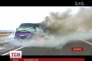 На трасі Київ – Одеса згорів рейсовий автобус