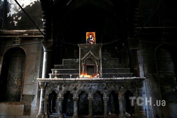 Незнищена віра. Християни Мосула повернулись до розгромленого ІД храму