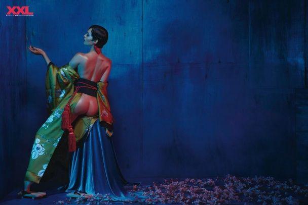 Сексуальна гейша Астаф'єва оголилася для чоловічого журналу