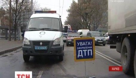 В Харькове произошло ДТП с участием автомобиля скорой помощи и внедорожника