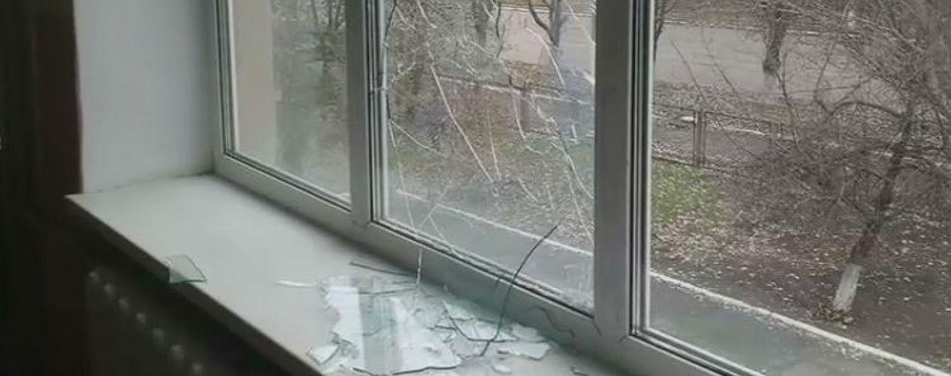 У Мар'їнці бойовики обстріляли школу