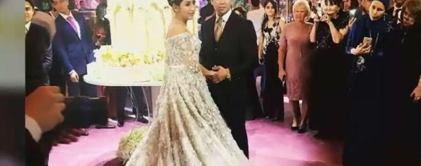 Сукня за $ 650 тисяч і 3-метровий торт: приголомшливе весілля доньки нафтового магната