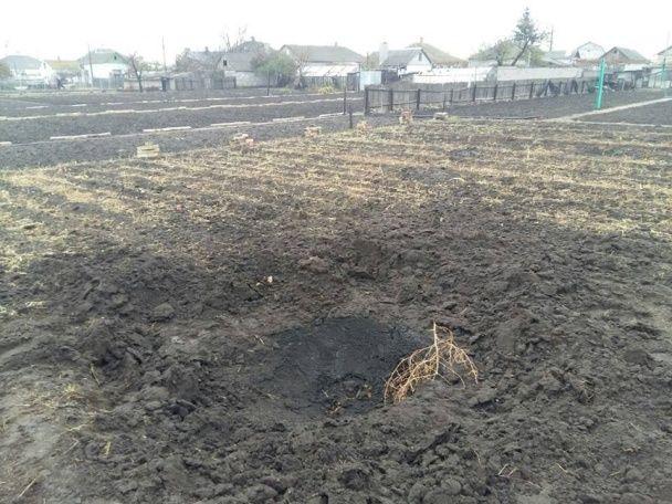 Бойовики розстріляли з артилерії мирне селище під Маріуполем