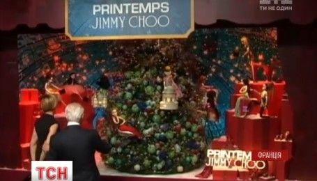 У Парижі відкрили першу різдвяну інсталяцію