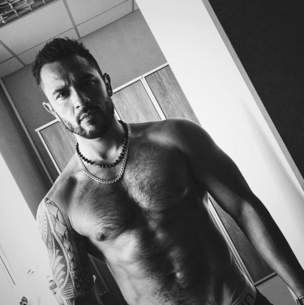 """Накачане тіло та пристрасні танці. Що постить в Instagram сексапільний київський """"кондуктор"""""""
